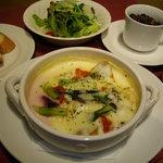 炭の花 - 根菜と魚介・ショートパスタのグラタンランチ 熱々をどうぞ。
