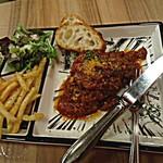 肉バルstaub - ガッツリ超硬派!俺のトマト煮込みハンバーグ