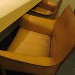 寿し半 藍路 - VIPルームの椅子