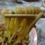 金龍食堂 - 優しい弾力のある太麺