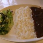 16880967 - ビーフカレー(サラダ、スープ、ドリンク付きで1,250円)