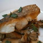16884867 - 真鯛のポワレ シェリービネガーソース