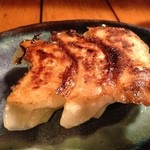 信州小麦ラーメン 亀屋  - 焼き餃子3個
