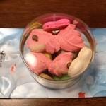 パルファン 本店 - 料理写真:マカロンとクッキーの詰め合わせ