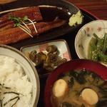 16894328 - 愛媛産鰻定食の全景