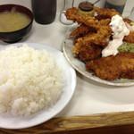 キッチン マミー - ミックスフライ定食大盛り(800円+100円)