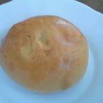 米かりー - 料理写真:テーブルロール(ぶどう)(80円)