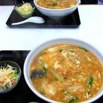 中華料理 秀陽 - 横綱ラーメン:煉蔵さんも同じものを