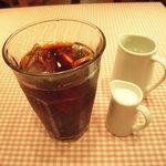 ペルコラ - ドリンク=アイスコーヒー