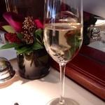 レストラン ひらまつ - シャンパンでスタート
