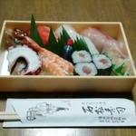 石松寿司 - お持ち帰り(並)900円
