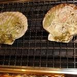 魚三郎 新松戸直売所 - 殻付ホタテ199円