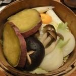魚三郎 新松戸直売所 - 季節野菜のせいろ蒸し599円