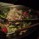 16905325 - 宮川・日向地鶏のサラダ