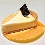 キング洋菓子店 - レアチーズタルト
