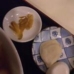 16910520 - 水餃子とザーサイが隠れてました!