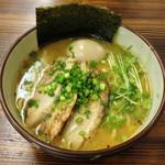麺魂 - 味玉チャーシュー海老そば(2013年1月)