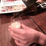 上海酒家 軼菁飯店 - とりあえずビールで乾杯といきましょう!