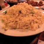 shanhaishukaijinhanten - ウルトラてんこ盛りの五目チャーハン、これも美味しゅう御座いました。
