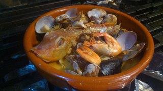 トラットリア シャント - 寒い冬にぴったり。名物料理 鮮魚丸ごとブイヤベース