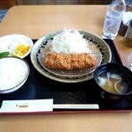 豚やなんぽ - 熟成ヒレかつ定食(819円)