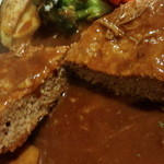 隣の洋食屋さん ブラボーパパ - 肉汁はでませんが肉の旨味があります