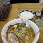 らーめん 弥七 - 醤油ラーメン700円