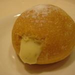 有のパン - クリームパン(160円)うまい