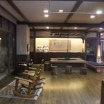 松川温泉 峡雲荘 - フロントの前 きれいですよー