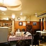 虎龍 - 店内テーブル席