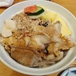よし祥 - 地鳥と鳥そぼろ丼1,100円