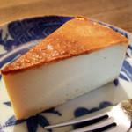 すみだ珈琲 - チーズケーキ(350円)