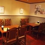 デノーズ - テーブル席