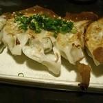 れんげ料理店 - アジの餃子。餃子のネタにアジの身を練りこんでさっぱり仕上げてある。