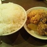 麺屋 侍 - セットの唐揚とライス