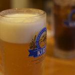 雷餃子 - ビールと無料の烏龍茶