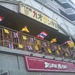 16953955 - ビストロミツの2階です。タイの旗で飾られておりとっても賑やか