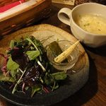 NAYA - セットのサラダ、小さな器にピクルス3種