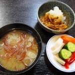 伊達屋敷 - 小鉢・新香・味噌汁