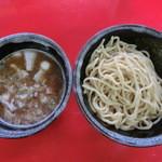 16957941 - 黄金つけ麺(チャーシュー盛り\960)
