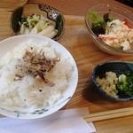 まめcafe - 湯豆腐セット(その2)