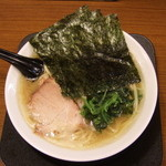 佐々木家 - 醤油とんこつ(小)脂多め、スープ濃いめ、麺普通