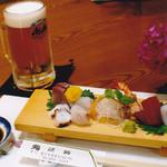 鮨・淡路 - 料理写真:夕暮れセット(飲み物2杯、小鉢、お造り)2500円     17時~19時限定