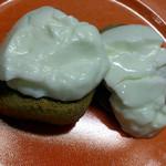 ふじや - 美味しい食べ方その1、いもの餅+ヨーグルト