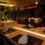 sumile TOKYO - テーブルが発光してます