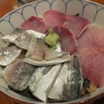 京すし - 鯵&いなだのハーフ丼(980円)