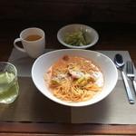 りーたちゃん びぎんず - 料理写真:はくさいとソーセージのトマトクリーム ¥700