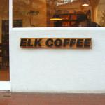 ELK COFFEE - せっかく天神橋に来たので、前から来てみたかったELKCOFFEE(エルクコーヒー)で、お茶することに。このお店の珈琲は能登の二三味珈琲の焙煎豆を使ってるんだよ。