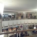 スーパーダイニング ヴェルデュール - レストランは2階にあります。