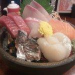 16981365 - 刺身の感謝盛り(924円) 刺身の甘さが味わえます